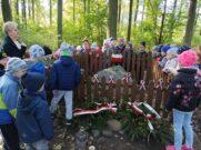 Wycieczka pod kamień upamiętniający ppor. Zdzisława Straszewicza